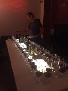 Vinprovning eller olivoljeprovning på PS Matsal med Johan Blanche som ciceron.